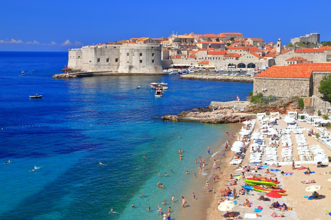 'Sunny beach on Eastern side of the old town of Dubrovnik, Croatia' - Dubrovník