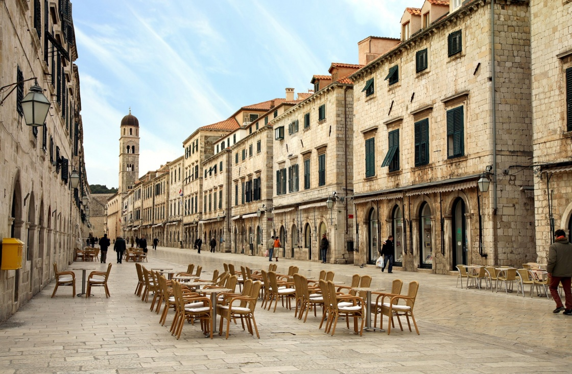 'Strada of Dubrovnik. The Strada is the main shopping street and gathering area in the city of Dubrovnik in Croatia.  Main street by early morning.' - Dubrovník